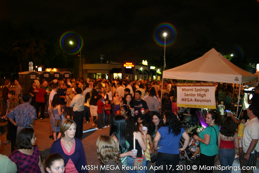 An estimated crowd of 800 - 1000 Golden Hawks and friends made the MEGA Reunion a success!
