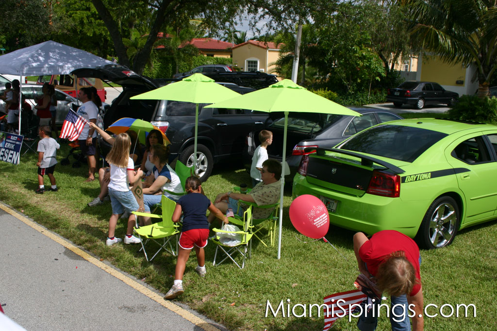 You have to love the matching lime umbrella, folding chairs, and Daytona Charger!